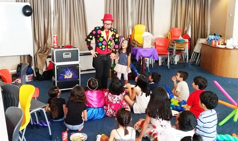 Magician For Kid Birthday Party